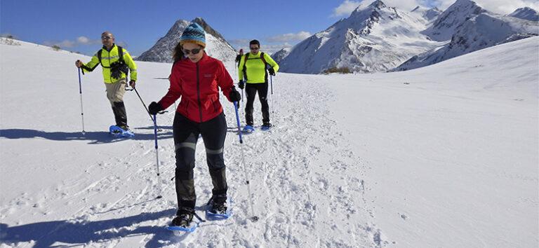 kayak-pico-azul-raquetas-de-nieve-en-leon