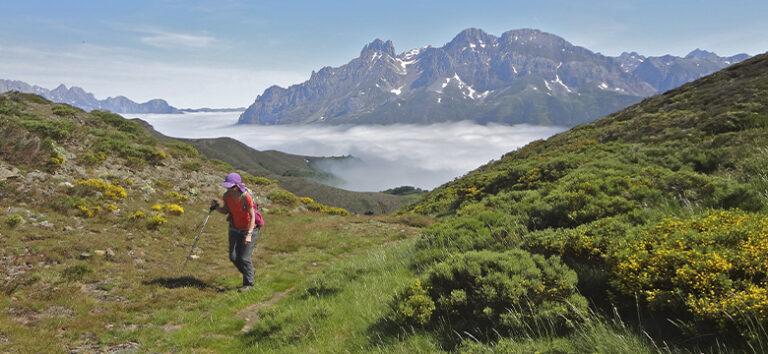 kayak-pico-azul-senderismo-montaña-en-leon