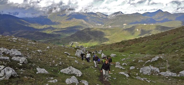 kayak-pico-azul-senderismo-treeking-montaña-en-leon
